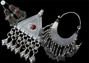 Traditional Kashmiri Jewelry. Copyright Kashmir Life © 2009-2012